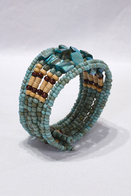 Thick beads bracelet